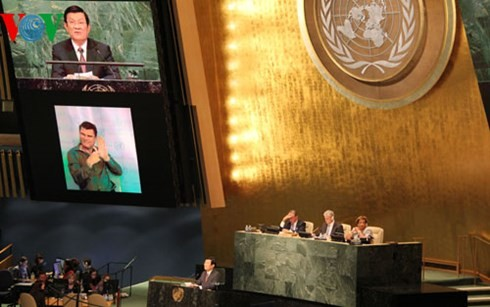 President Truong Tan Sang delivers a keynote speech at the UN Summit  - ảnh 2