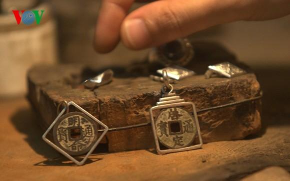 Silver craft of Hang Bac street - ảnh 2
