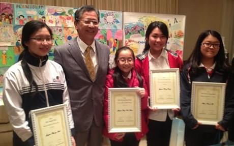 Haiku poetry contest's winners awarded   - ảnh 1