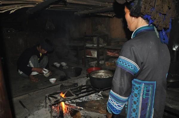 Ha Nhi's worship of the kitchen genie  - ảnh 2