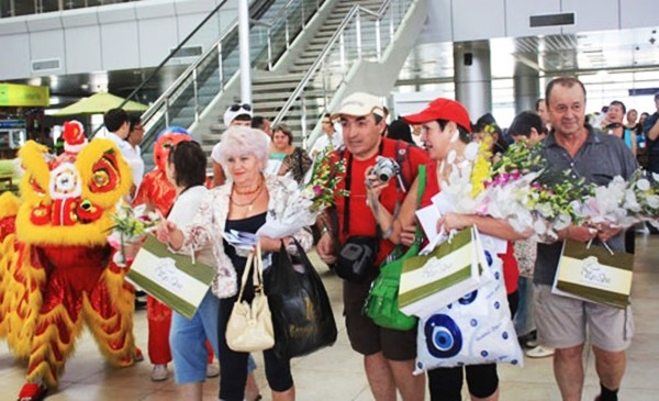 Vietnam and Russia promote tourism cooperation - ảnh 1