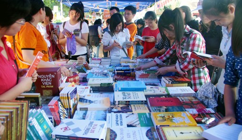Book Day celebrated in Kien Giang - ảnh 1