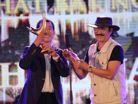 Songwriter Duc Hung graps three prizes at Devotion Music Awards - ảnh 1