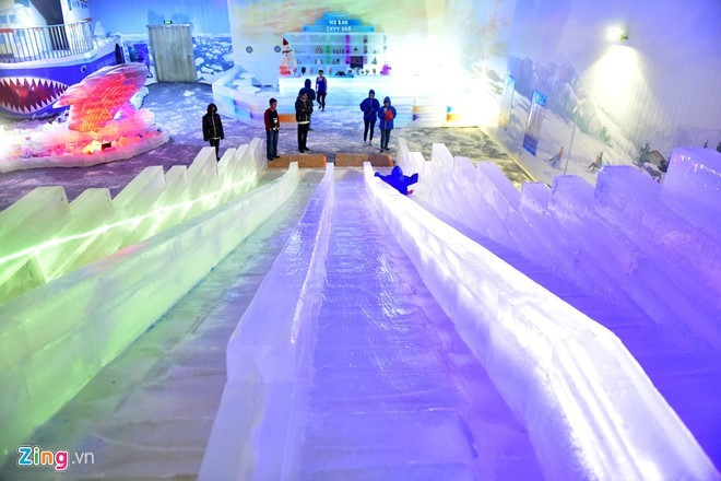 Kids escape heat at Saigon Polar Expo - ảnh 8
