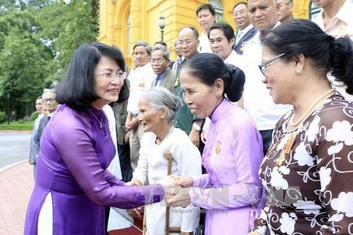 Vice President receives national contributors from Thua Thien Hue - ảnh 1