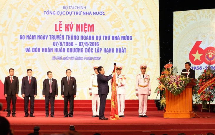 Deputy PM Vuong Dinh Hue joins celebration of the 60th anniversary of state reserves sector  - ảnh 1