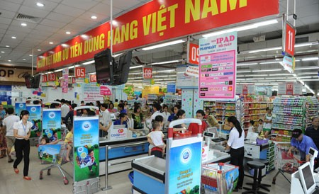 Movement on Vietnamese people prioritize Vietnamese goods produces positive results - ảnh 1
