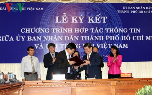 VOV, Ho Chi Minh City People's Committee sign communications cooperation - ảnh 1