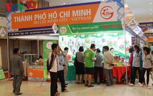 Vietnamese Trade Fair 2016 opens in Cambodia - ảnh 2