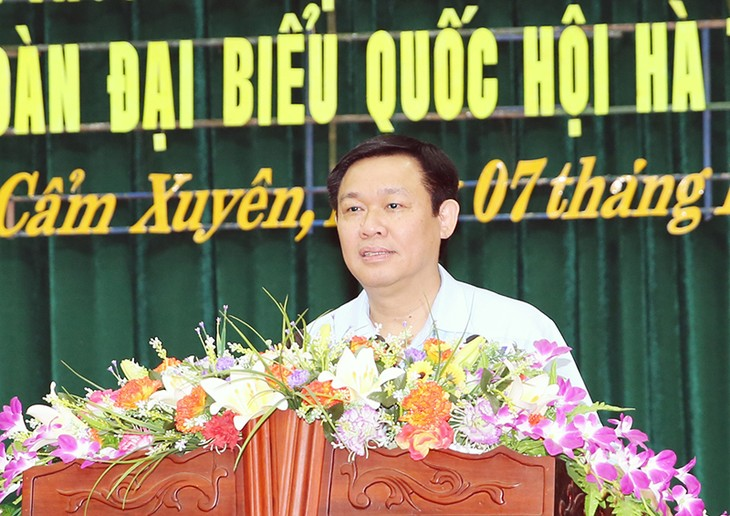 Deputy Prime Minister Vuong Dinh Hue meets voters in Huong Khe District, Ha Tinh province - ảnh 1