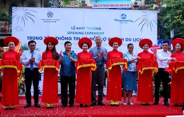 Hanoi launches a Center for Tourist Information and Support  - ảnh 1