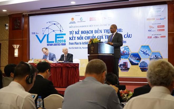 Vietnam develops sea and air logistics service - ảnh 1