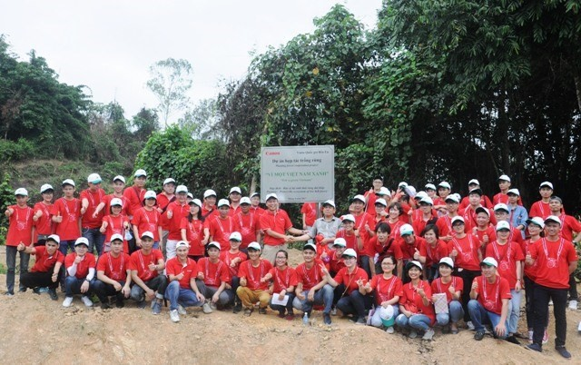 Canon pushes forest planting in Thanh Hoa - ảnh 1