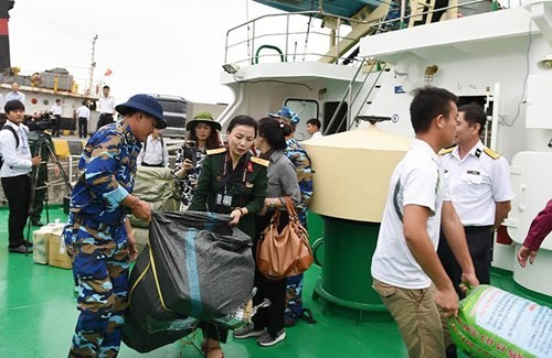 Intersectoral working group visits Truong Sa archipelago - ảnh 1