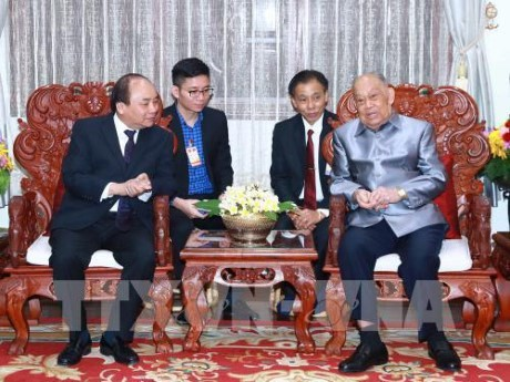 Vietnam and Laos leaders foster special bilateral ties - ảnh 1