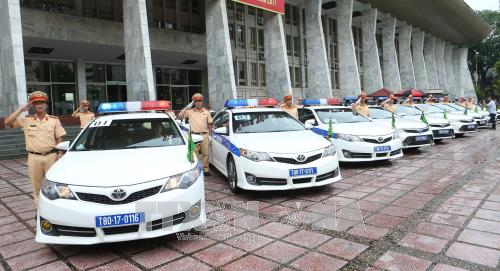 Police ensure traffic safety for APEC Week 2017 - ảnh 1