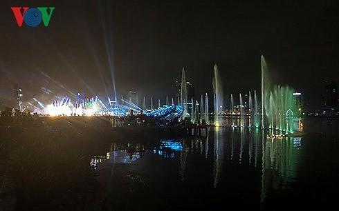 Da Nang International Fireworks Festival opens - ảnh 1