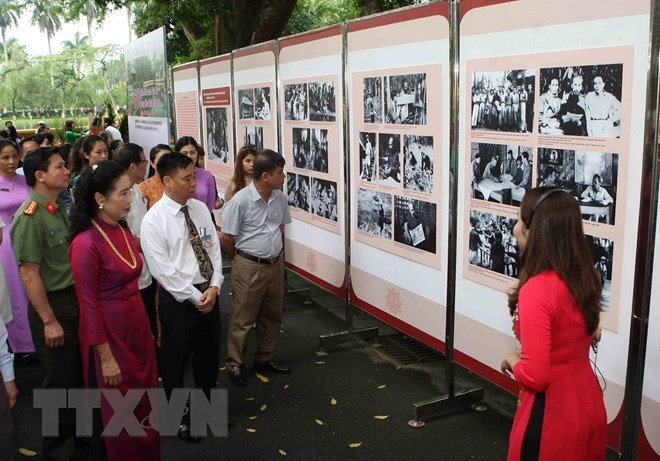 President Ho Chi Minh's 60-year-old stilt house exhibited  - ảnh 1