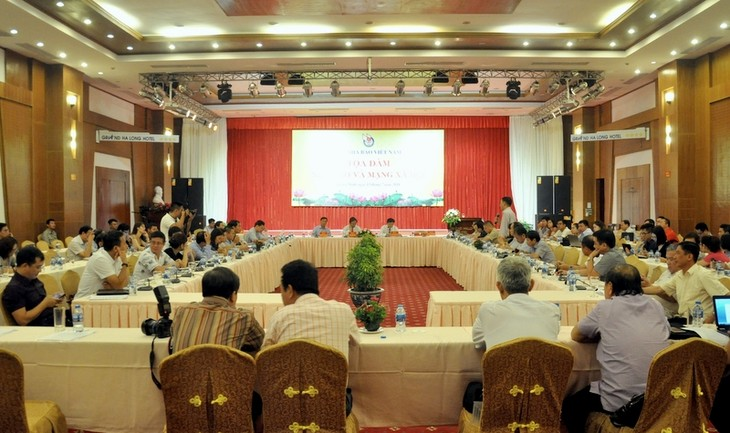 Journalists' responsibility in social networks under discussion - ảnh 1