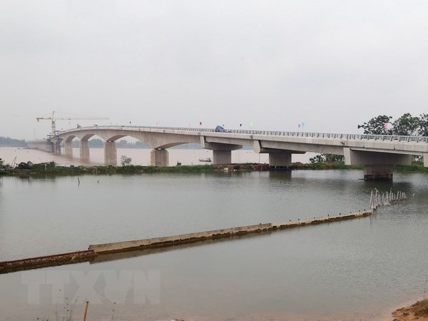 Viet Tri-Ba Vi Bridge across Red River to open for trial run on July 31  - ảnh 1