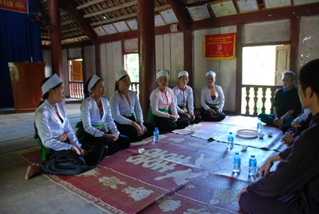 Dum singing of the Muong - ảnh 1