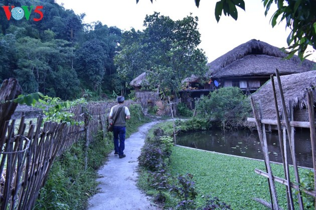 Homestay tourism boosts income of Tay people  - ảnh 3