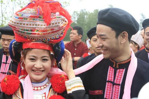 Adat  meminang dan menikah dari warga etnis minoritas Cao Lan di Provinsi Bac Giang, Vietnam Utara - ảnh 1