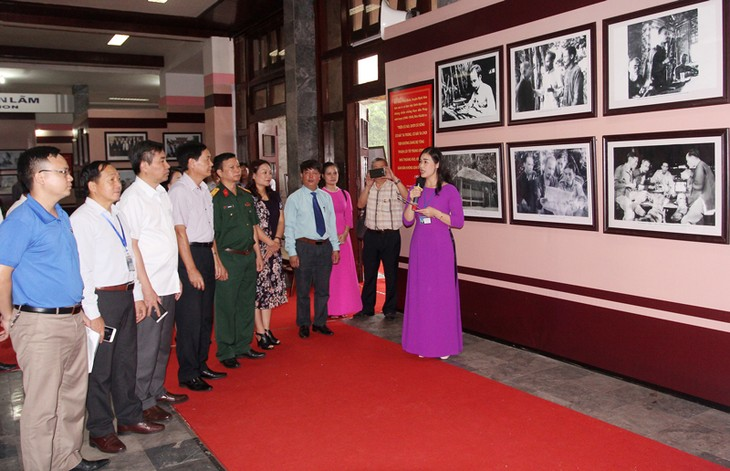 Exhibition features General Vo Nguyen Giap in Thai Nguyen safety zone  - ảnh 1
