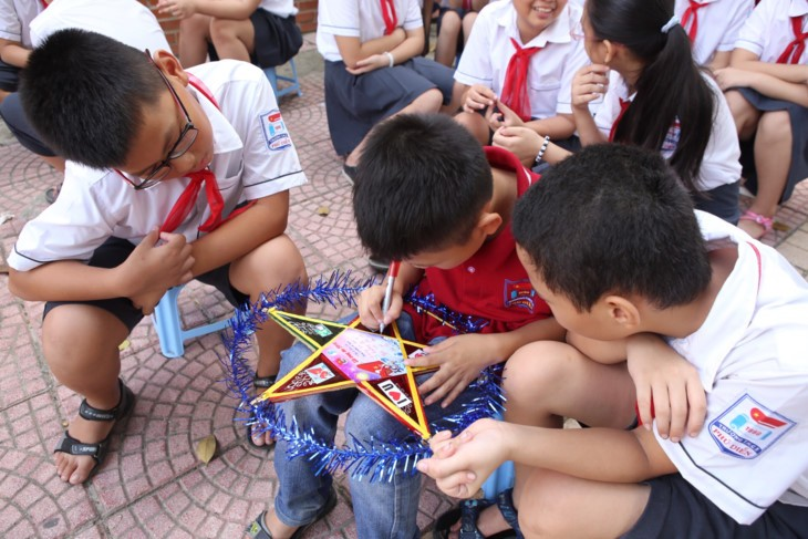 1,000 pupil messages sent to Truong Sa archipelago on new schoool year  - ảnh 7