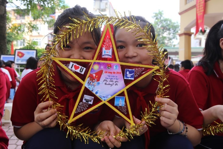 1,000 pupil messages sent to Truong Sa archipelago on new schoool year  - ảnh 8