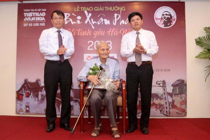 """Bui XuanPhai – For Love of Hanoi"" award announced  - ảnh 2"