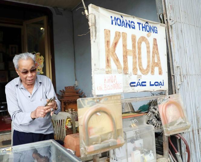 Tuong Chuc village, a lock repair village in Hanoi - ảnh 1