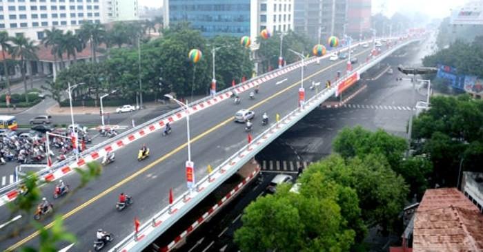 Hanoi marks its 64th Liberation Day - ảnh 1