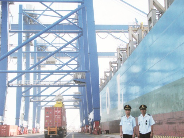 Ba Ria –Vung Tau integrates maritime sovereignty protection in economic development  - ảnh 1