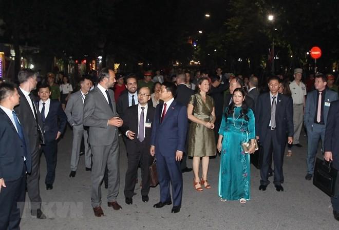 Mayor of Hanoi receives French Prime Minister - ảnh 1