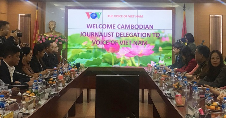 VOV continues technical support for Cambodian Radio - ảnh 1