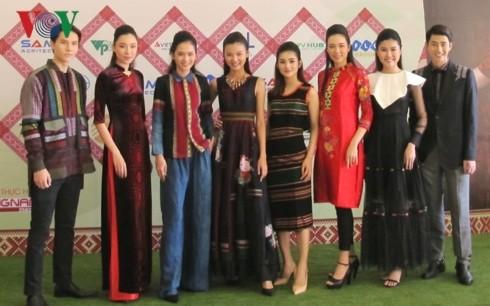 Dak Nong hosts first Vietnam Brocade Culture Festival  - ảnh 1