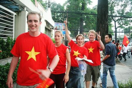 Over 14 million foreigners visit Vietnam - ảnh 1