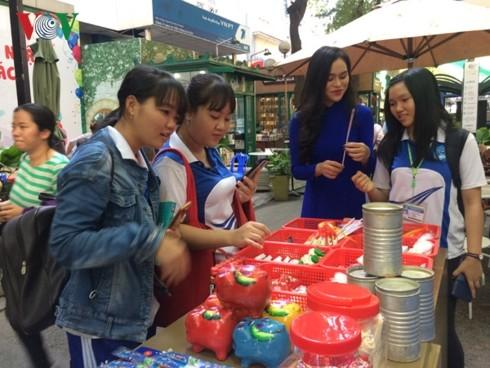 Book week recalls memories of old Saigon   - ảnh 2