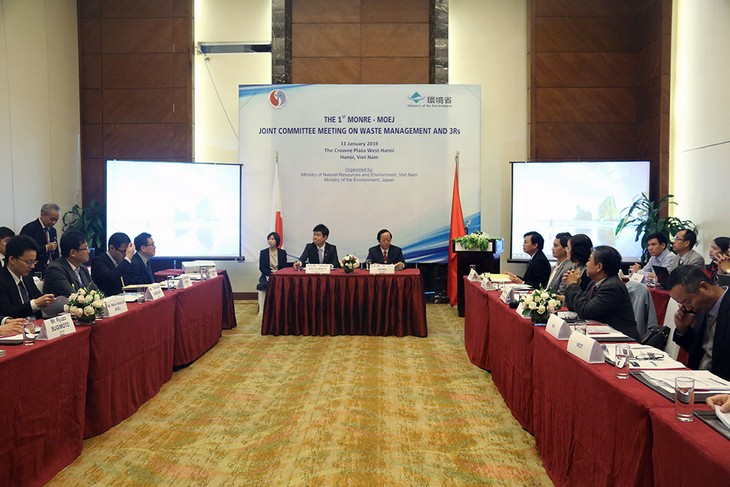 Vietnam, Japan strengthen cooperation in solid waste treatment - ảnh 1