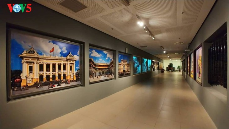 Contemporary art space at the National Assembly House - ảnh 4
