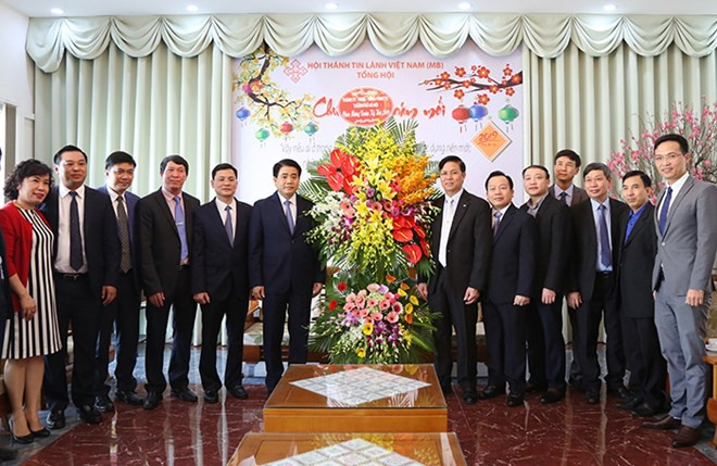 Hanoi leader visits Evangelical Church ahead of Tet - ảnh 1