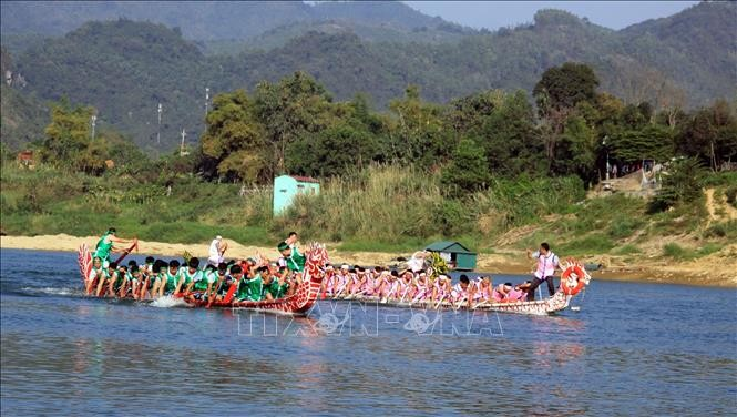 Lunar New Year 2019 celebrations held across Vietnam - ảnh 2
