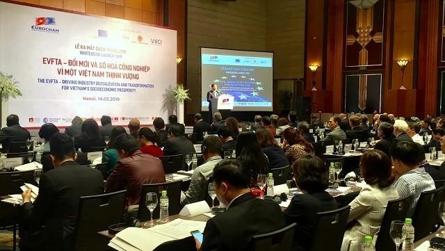 EuroCham's Whitebook recommends ways to unlock Vietnam's potential - ảnh 1
