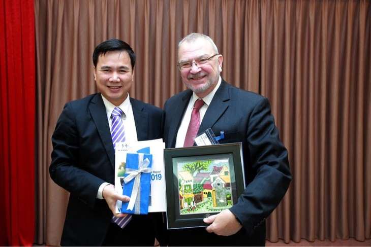 Major US corporations seek technology, IT cooperation with Vietnam - ảnh 1