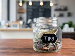How much should I tip?  - ảnh 2