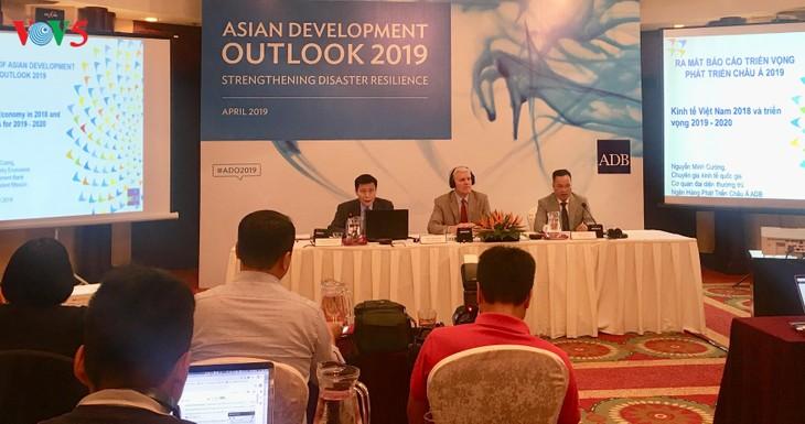 ADB: Vietnam's economy to expand 6.8 percent in 2019 - ảnh 1