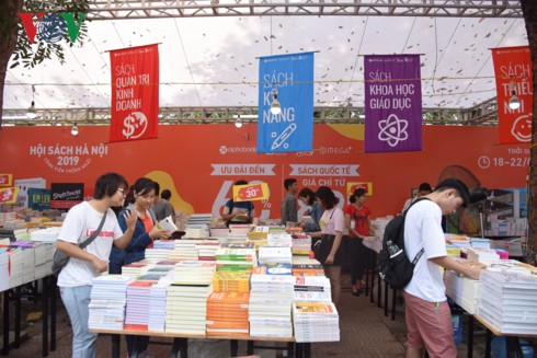 6th Vietnam Book Day opens in Hanoi - ảnh 1