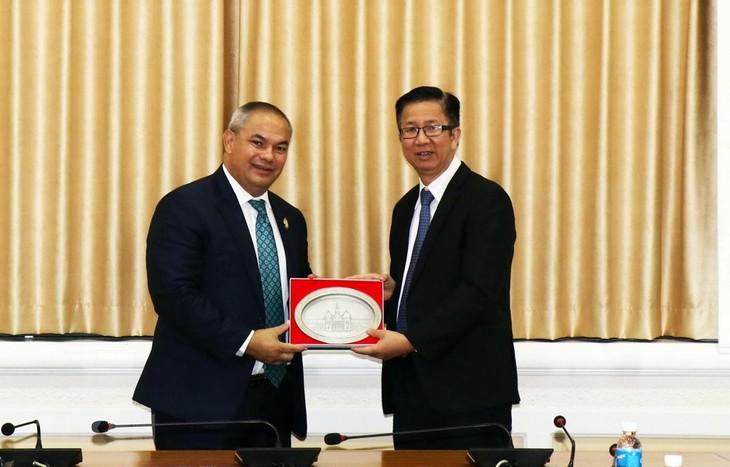 Australia's Gold Coast enhances cooperation with HCMC - ảnh 1