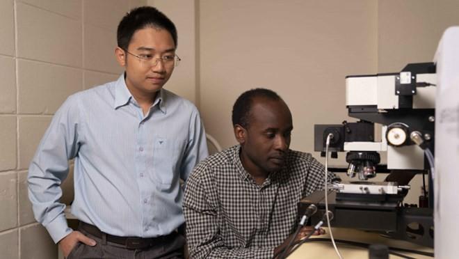 Vietnamese-led research team unlocks potential of ultra-thin 2D materials - ảnh 1